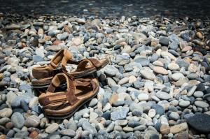 Sandály u vody