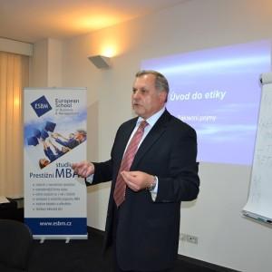 Studium MBA zvýší vaši kvalifikaci a také plat