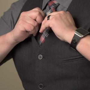 Jak dodat společenskému outfitu šmrnc? Zkuste obléct vkusnou vestu