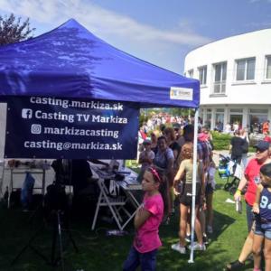 Spolehlivé party stany a prodejní stánky nesmí chybět na žádné letní akci