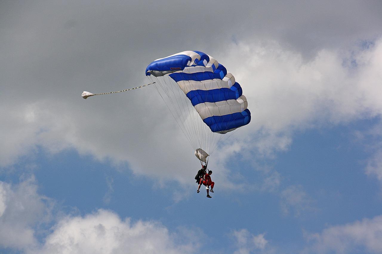 parachute-air-sports-4306905_1280